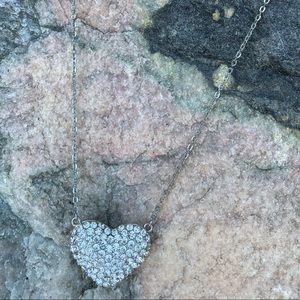 ⚡️Rhinestone silver tone heart necklace!